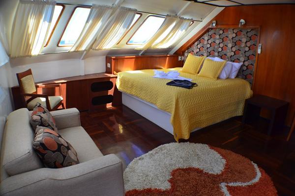 Anahi Galapagos Yacht Suite