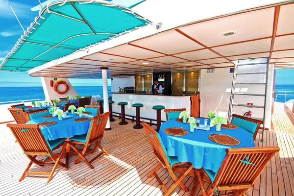 Anahi Galapagos Cruise - sky deck