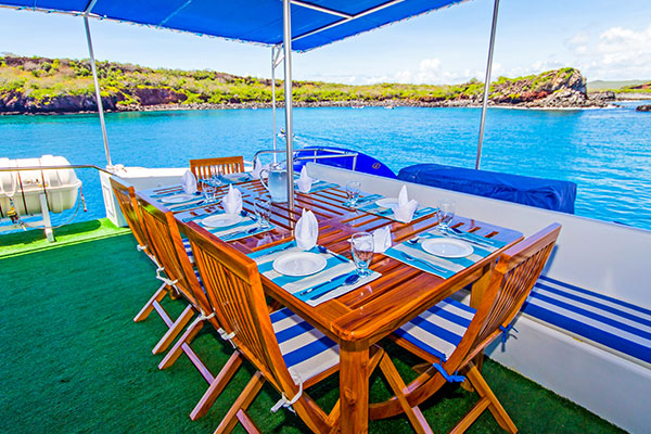 Archipell II Galapagos Yacht - Outdoor Dining Area