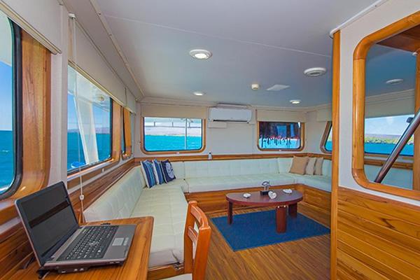 Blue Spirit Galapagos Cruise - Lounge