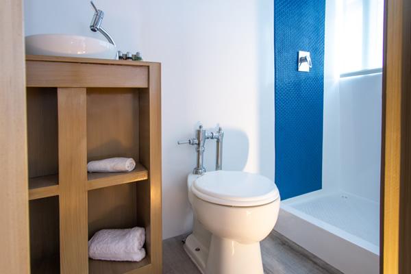 Bathroom at Calipso Galapagos Cruise