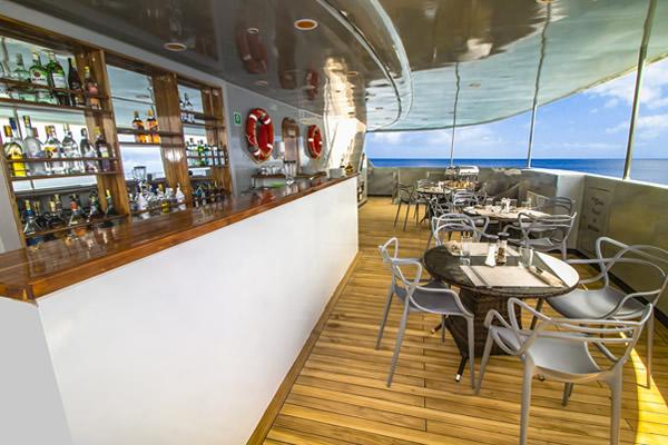 Outdoor bar - Calipso Galapagos Cruise Yacht