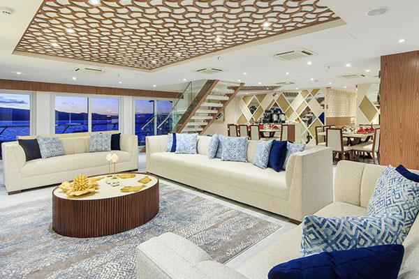 Lounge - Elite Luxury Galapagos Yacht