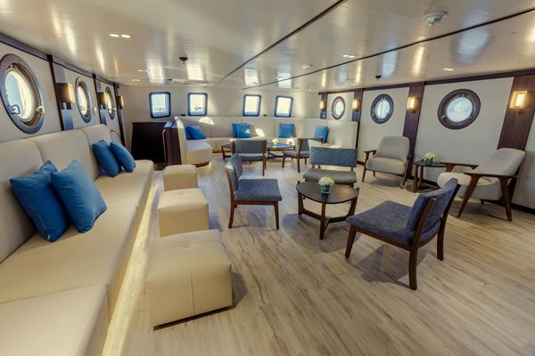 Lounge - Evolution Galapagos Luxury Yacht