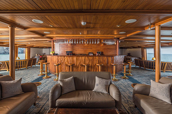 Lounge and Bar - Galapagos Legend Cruise