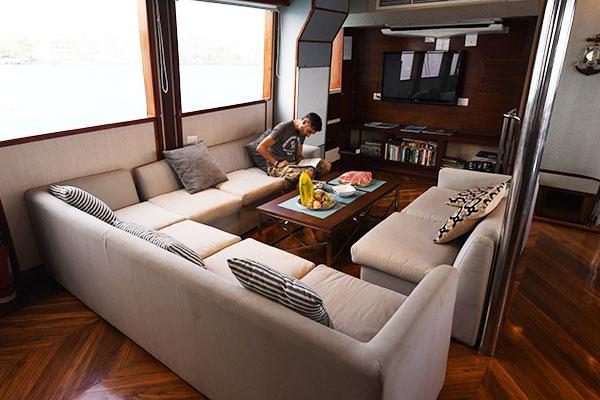 Lounge - Humboldt Explorer Galapagos Ship