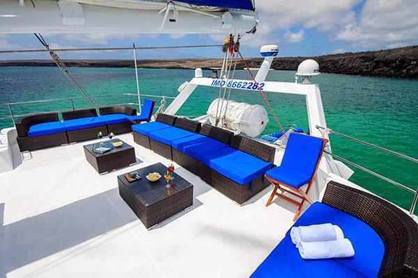 Sundeck - Nemo III Galapagos Cruise