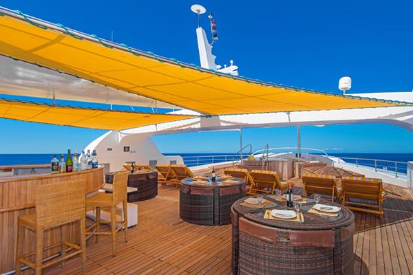 Sundeck - Petrel Galapagos Cruise