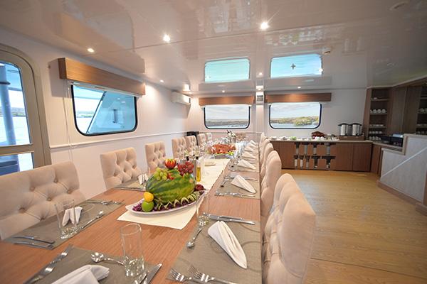 Dining Room - Galapagos Seaman Cruise